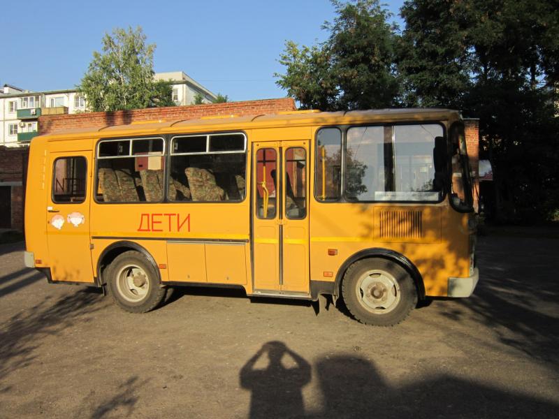 Ямы на дорогах и неисправные автобусы: быть школьником в Котовске оказалось небезопасным