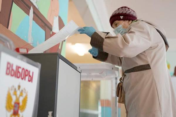 Явка к середине первого дня голосования в России составила 9,16%