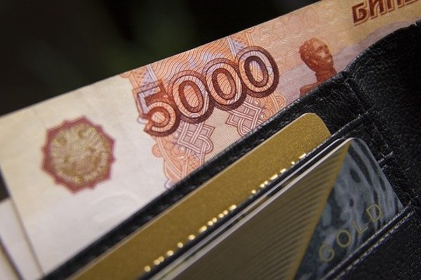 Жительница Мичуринска в Тамбове пыталась пополнить счёт фальшивой 5-тысячной купюрой