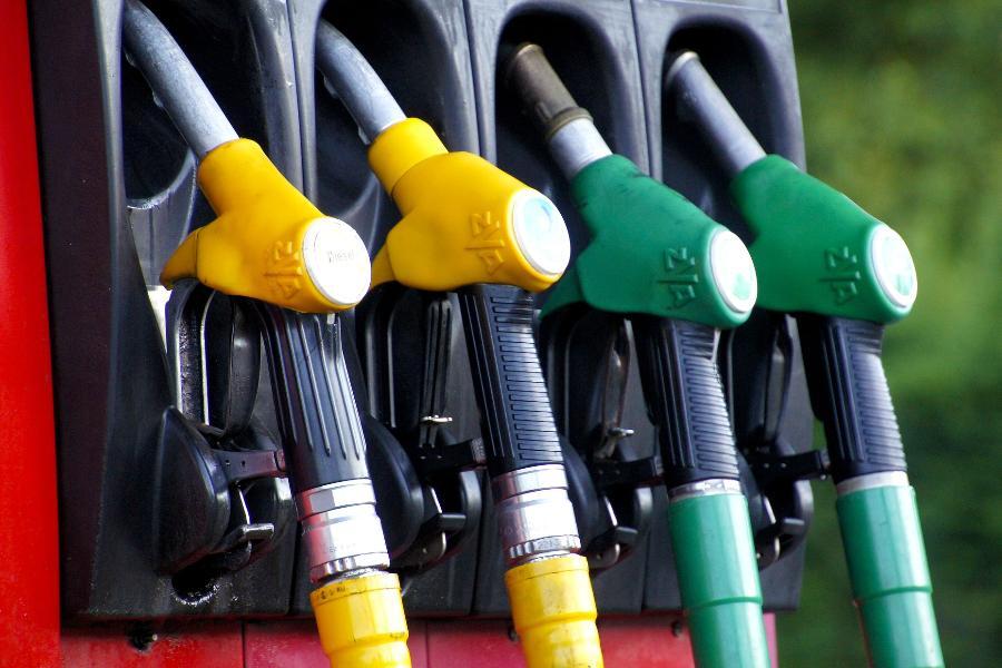 Экономист рассказал, каких цен на бензин ждать через 10 лет