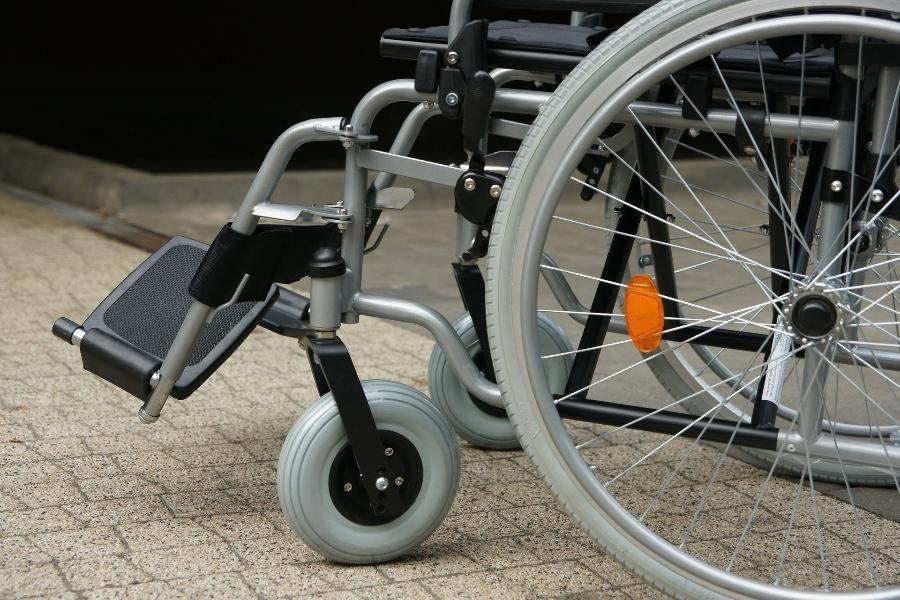 Инвалидам станет проще получать услуги и средства реабилитации