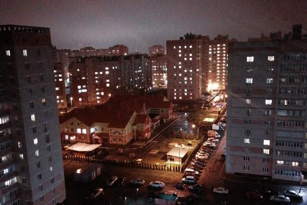 Ночной обзор: опасные продукты из Китая, новая сторублёвка, запрет на работу в такси