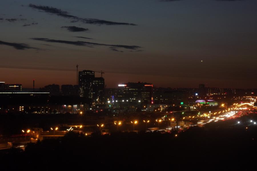 """Ночной обзор: земляные """"барханы"""" на севере Тамбова, самые высокооплачиваемые профессии, влияние алкоголя на ОРВИ"""