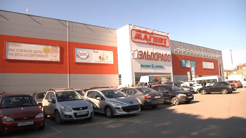 Полицейские проверили соблюдение масочного режима в гипермаркете «Магнит»