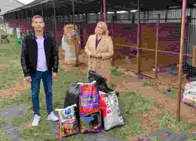 Приюту для животных в Тамбове передали корм и утеплитель для вольеров