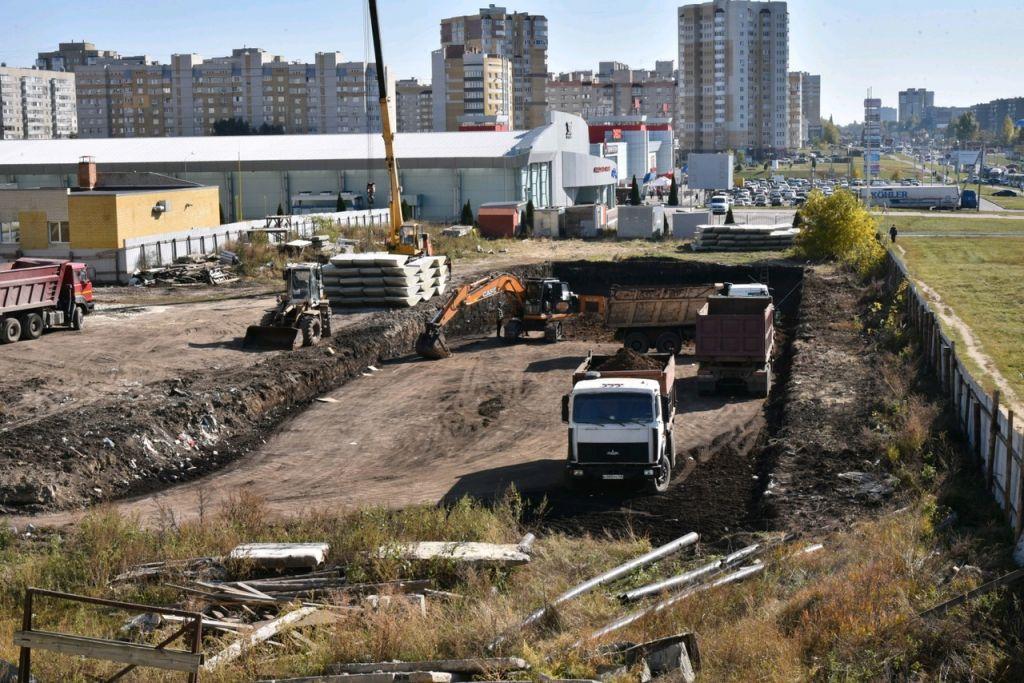 Распутывая историю: законно ли строительство бассейна и многоэтажки на севере Тамбова?