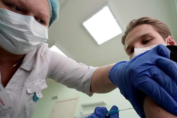Утверждены правила обеспечения вакцинами частных клиник