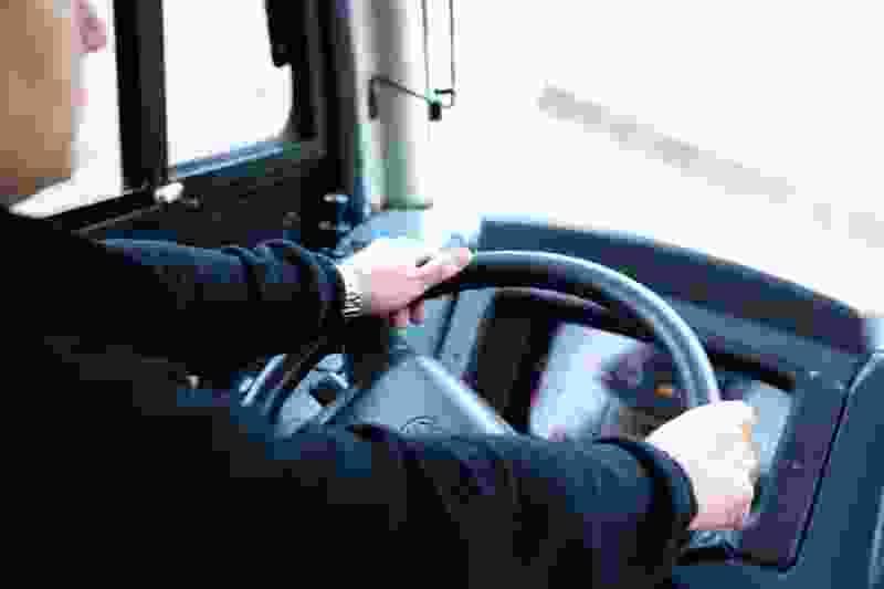 В Тамбове водитель маршрутки №16 нахамил школьнице, у которой не получилось оплатить проезд