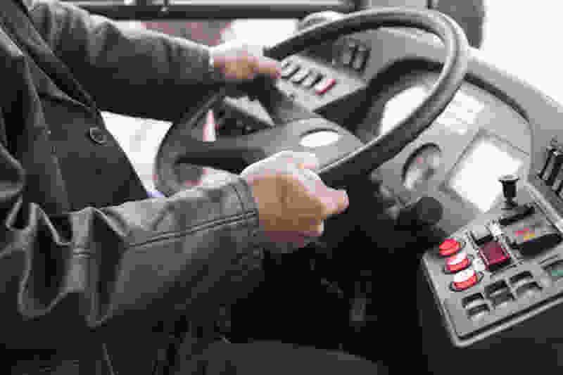 Водитель автобуса приказал пассажирке «закрыть рот и командовать дома»